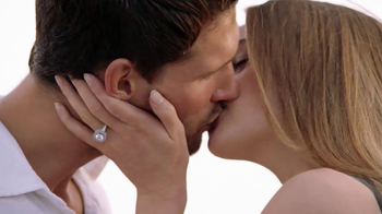 Zales TV Spot, 'Beach Proposal: Vera Wang Love' Song by Shayna Zaid and The Catch - Thumbnail 9