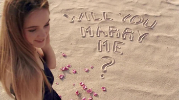 Zales TV Spot, 'Beach Proposal: Vera Wang Love' Song by Shayna Zaid and The Catch - Thumbnail 6