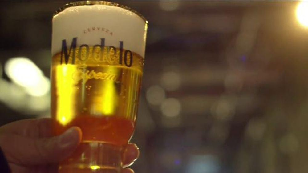 Modelo Especial TV Commercial, 'Here's to You'