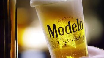 Modelo Especial TV Spot, 'Here's to You' - Thumbnail 7