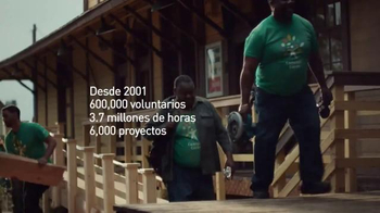 Comcast Cares Day TV Spot, 'Manos Sucias' [Spanish]