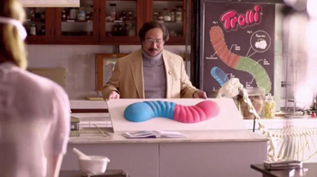 Trolli Sour Brite Crawlers Minis TV Spot, 'Dissection' - Thumbnail 2