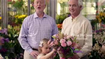 1-800-FLOWERS.COM TV Spot, 'Be the Reason Mom Feels Loved' - Thumbnail 9