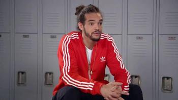 Foot Locker TV Spot, 'Joakim Noah Says the Joakimiest Things to Kids: Red' - Thumbnail 6