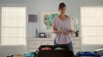 Hotwire TV Spot, 'Debbie in a Blue Dress' - Thumbnail 6