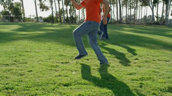 Wrangler Advanced Comfort Jeans TV Spot, 'Work Out' Featuring Drew Brees - Thumbnail 3