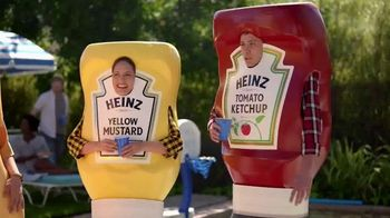 Heinz Yellow Mustard TV Spot, 'Ketchup's Got a New Mustard: Backyard BBQ' - Thumbnail 3