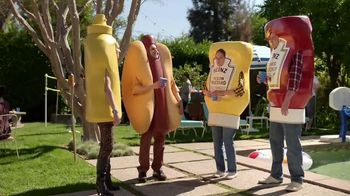 Heinz Yellow Mustard TV Spot, 'Ketchup's Got a New Mustard: Backyard BBQ' - Thumbnail 7