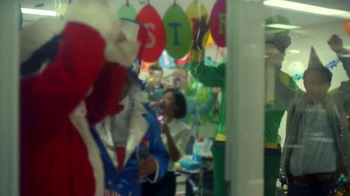 TD Ameritrade TV Spot, 'Holiday Party' - Thumbnail 6