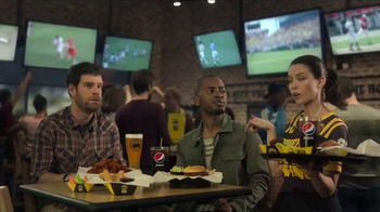 Buffalo Wild Wings TV Spot, 'Karate' Featuring Steve Rannazzisi - Thumbnail 4