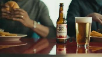 Budweiser TV Spot, 'Buds & Burgers' Song by DJ Sliink - Thumbnail 4