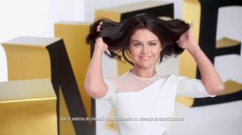 Pantene Pro-V TV Spot, 'Secador de cabello' con Selena Gomez [Spanish] - Thumbnail 6