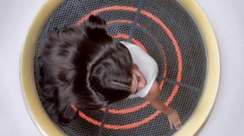 Pantene Pro-V TV Spot, 'Secador de cabello' con Selena Gomez [Spanish] - Thumbnail 8