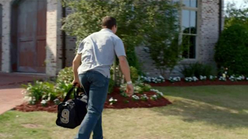 Wrangler Advanced Comfort Jeans TV Spot, 'Kid Tackle' Featuring Drew Brees - Thumbnail 1