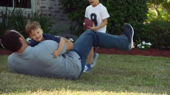 Wrangler Advanced Comfort Jeans TV Spot, 'Kid Tackle' Featuring Drew Brees - Thumbnail 2
