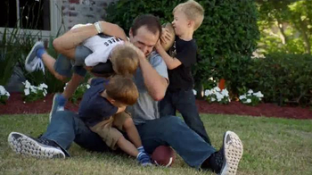 Wrangler Advanced Comfort Jeans TV Spot, 'Kid Tackle' Featuring Drew Brees - Thumbnail 6