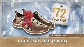 LIFE Outreach International TV Spot, 'Christmas Shoes' - Thumbnail 4