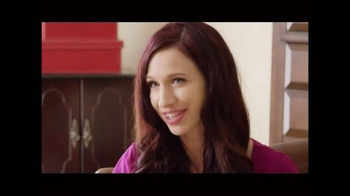 Stay Case TV Spot, 'Tangled Necklaces' - Thumbnail 4