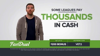 FanDuel Fantasy Football One-Week Leagues TV Spot, 'Get off the Sidelines' - Thumbnail 4