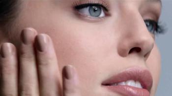 Maybelline New York SuperStay Better Skin TV Spot, 'Vida rápida' [Spanish] - Thumbnail 5