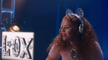 Clean & Clear TV Spot, 'MTV: Video Music Awards' Featuring Mahogany Lox - Thumbnail 3