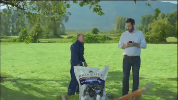 Brookside Chocolate TV Spot, 'Read All About It' - Thumbnail 7