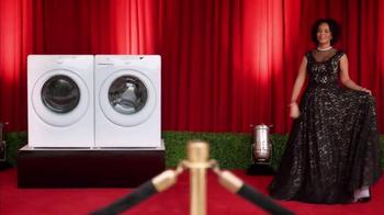 Clorox Splash-Less Bleach TV Spot, 'Red Carpet Clean' - Thumbnail 2