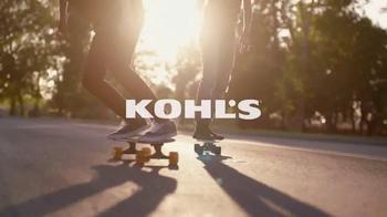 Kohl's TV Spot, 'Patinando' canción de Empire Of The Sun [Spanish] - Thumbnail 1