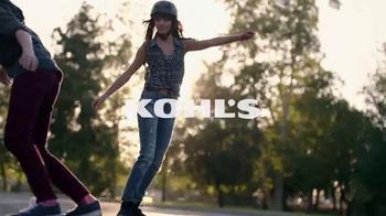 Kohl's TV Spot, 'Patinando' canción de Empire Of The Sun [Spanish] - Thumbnail 2
