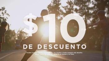 Kohl's TV Spot, 'Patinando' canción de Empire Of The Sun [Spanish] - Thumbnail 4