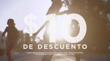 Kohl's TV Spot, 'Patinando' canción de Empire Of The Sun [Spanish] - Thumbnail 5