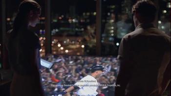 AT&T TV Spot, 'DIRECTV: Times Square' - Thumbnail 7