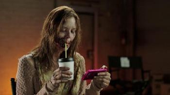 T-Mobile TV Spot, 'AMC: Fear the Walking Dead Exclusive Content' - Thumbnail 8