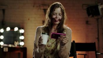 T-Mobile TV Spot, 'AMC: Fear the Walking Dead Exclusive Content' - Thumbnail 4