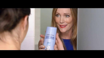 Jergens Wet Skin Moisturizer TV Spot, 'No Towel Yet' Featuring Leslie Mann