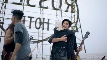 Kohl's TV Spot, 'That Fall Feeling' Song by The Naked and Famous - Thumbnail 2
