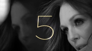L'Oreal Paris Age Perfect Eye Renewal TV Spot, 'Renew' Feat. Julianne Moore - Thumbnail 4