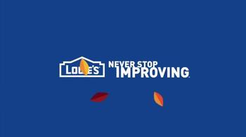 Lowe's Labor Day Savings TV Spot, 'Shrubs, Mulch and Fertilizer' - Thumbnail 6