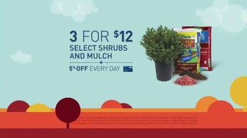 Lowe's Labor Day Savings TV Spot, 'Shrubs, Mulch and Fertilizer' - Thumbnail 4