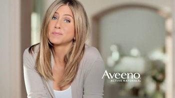 Aveeno Postively Radiant TV Spot, 'Positive Attitude' Ft. Jennifer Aniston - Thumbnail 10