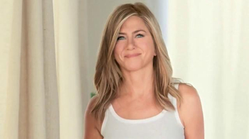 Aveeno Postively Radiant TV Spot, 'Positive Attitude' Ft. Jennifer Aniston - Thumbnail 4
