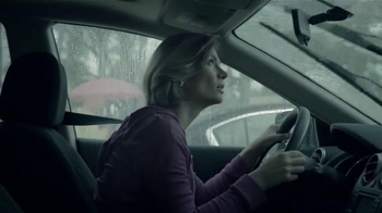 KFC Family Fill Ups TV Spot, 'La lluvia' [Spanish] - 464 commercial airings