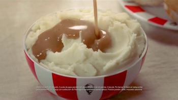 KFC Family Fill Ups TV Spot, 'La lluvia' [Spanish] - Thumbnail 8