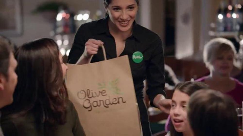 Olive Garden Compra Uno, Lleva Otro TV Commercial, 'Est?? de vuelta'