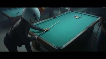 Jack in the Box Spicy Nacho Chicken Sandwich TV Spot, 'Pool Hall' [Spanish] - Thumbnail 5
