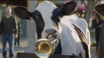 Chick-fil-A Frosted Lemonade TV Spot, 'Musical Cows' - Thumbnail 3