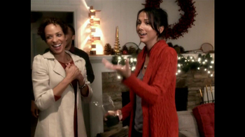 McDonald's Peppermint Mocha and Hot Chocolate TV Spot, 'Joy of Unwinding' - Thumbnail 10