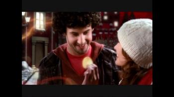 Merry Pringles TV Spot - Thumbnail 6