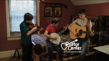 Guitar Center TV Spot, 'Hey, Santa: Banjo' - Thumbnail 4