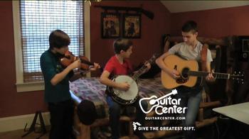 Guitar Center TV Spot, 'Hey, Santa: Banjo' - Thumbnail 5